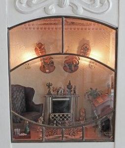 Nederste etage set udefra gennem den slebne glasrude