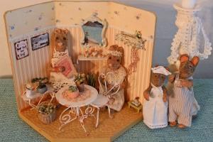 Er blevet vildt inspireret af Christel Jensens små frække mus i miniature bogen Hav to make The Minimice