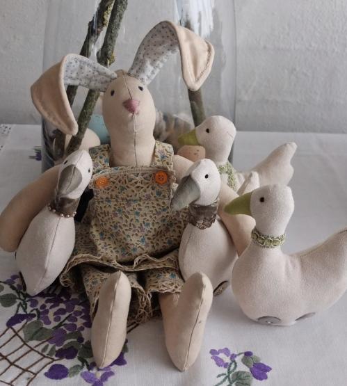 Tilda harer med ællinger til salg 018